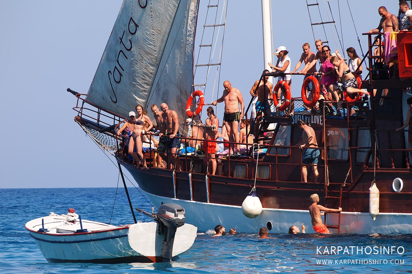 Boat excursions in Karpathos
