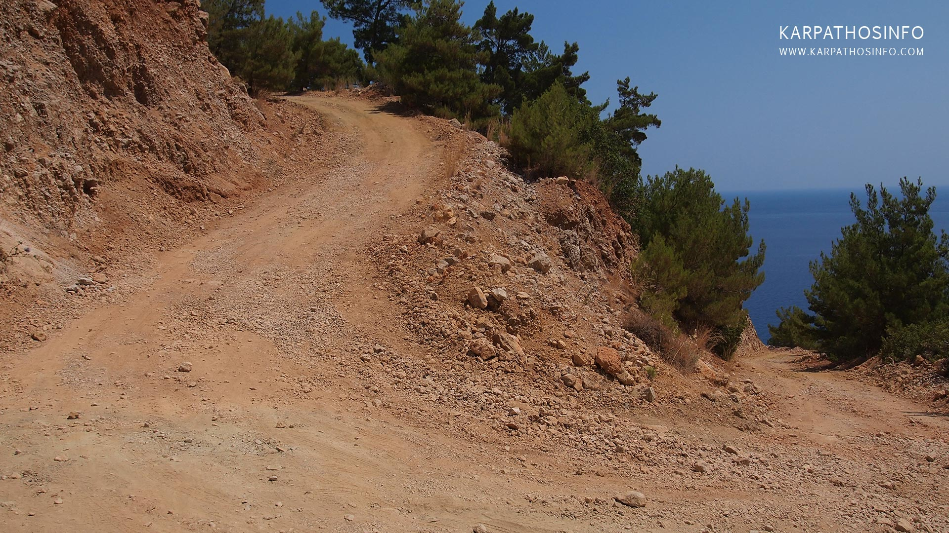 images/slider/off-road-driving-4x4-in-karpathos.jpg